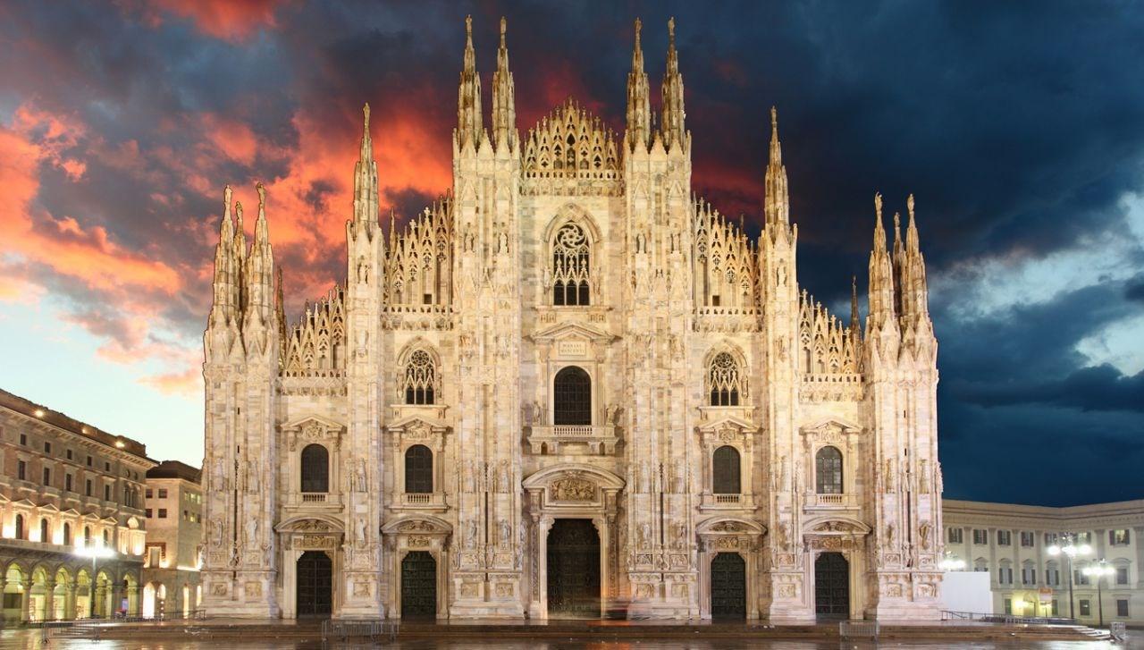 کلیسای اعظم دوئومو شهر میلان ایتالیا