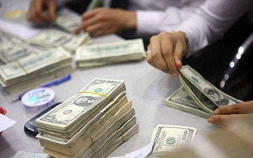 توصیه معاملهگران بازار ارز به سرمایهگذارن