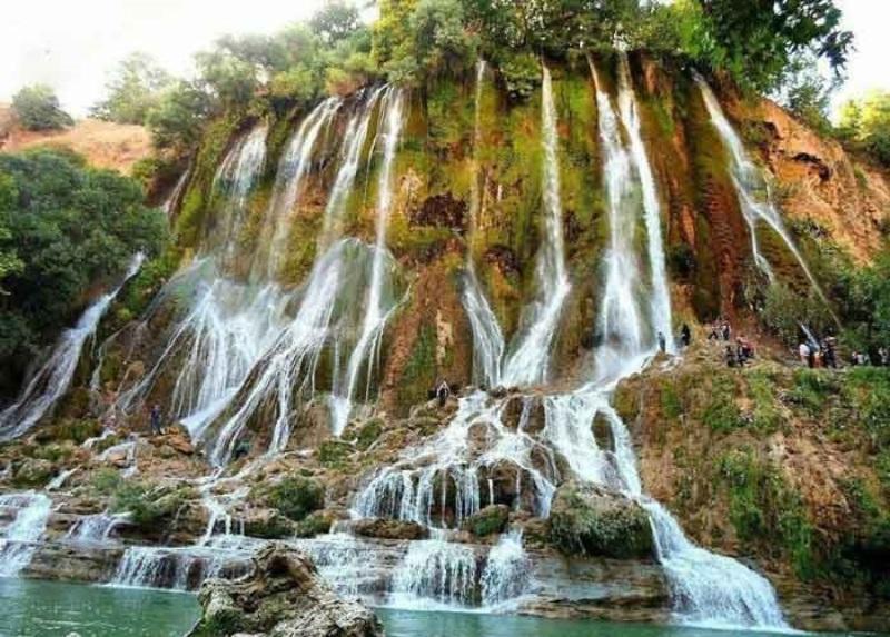 چشمه طبیعی