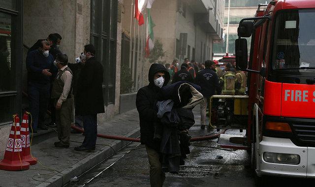 احتمال ریزش ساختمان وزارت نیرو  + عکس