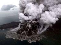 لحظه فوران آتشفشان آناک در اندونزی +عکس
