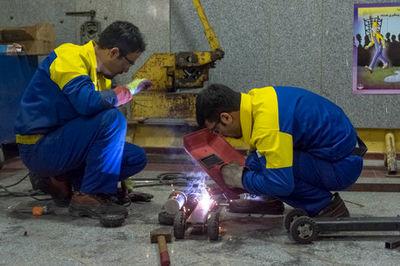 تاثیر آموزشهای مهارتی در آینده شغلی فارغ التحصیلان
