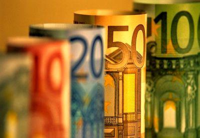 عرضه یورو در بازار ثانویه کاهش یافته است