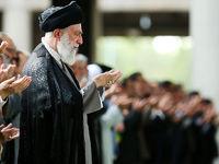رهبر انقلاب بر پیکر شهید سلیمانی نماز اقامه کردند