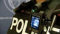 لباس پلیس دوربیندار میشود