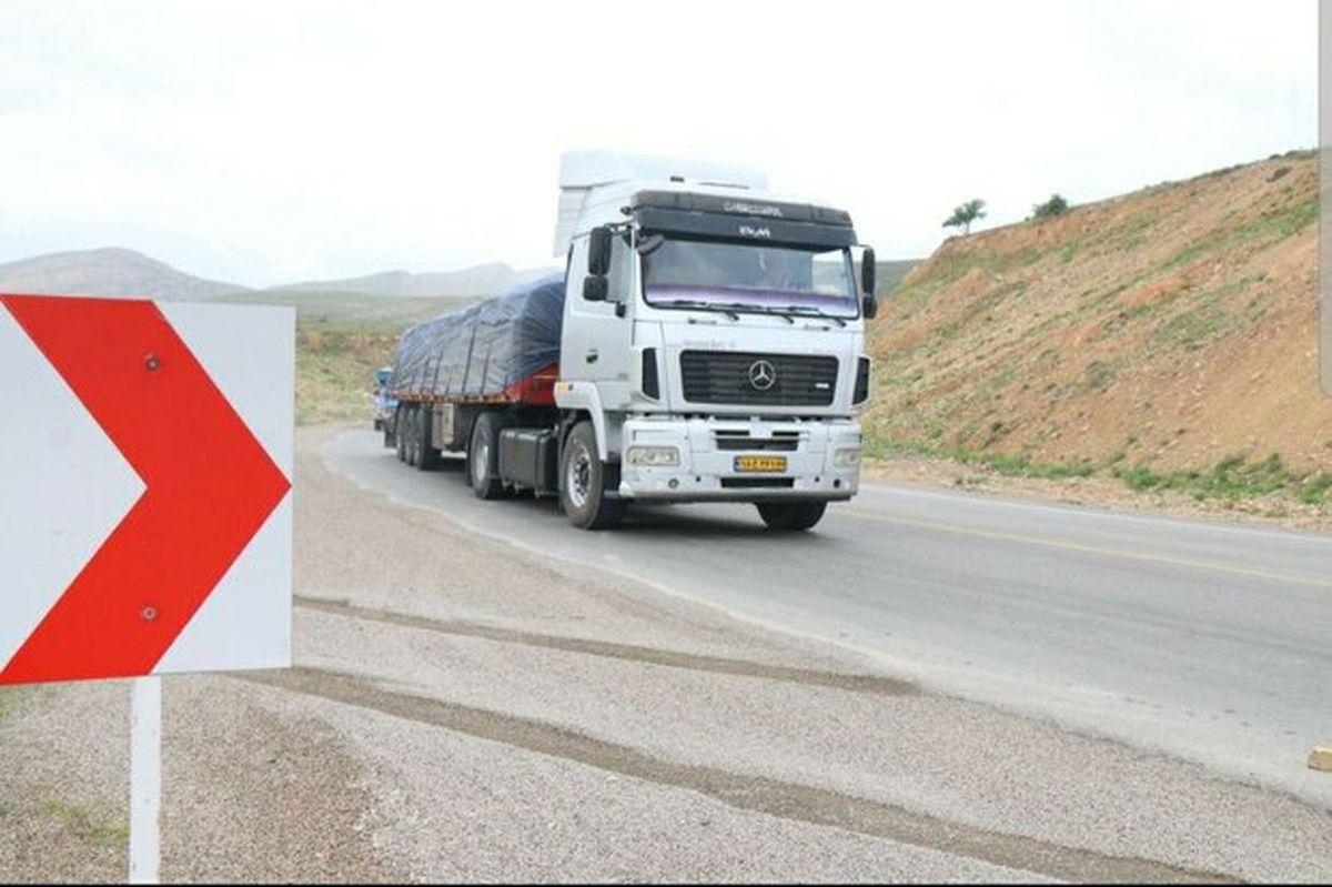 تردد کامیون های ترانزیتی در مرزهای افغانستان جریان دارد