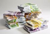واردکنندگان محصولات کشاورزی ۲میلیارد یورو ارز دولتی گرفتند/ گرانیهای نجومی بهرغم دریافت ارز یارانهای!