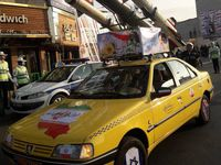 تاکسی حمل موشک در راهپیمایی ۲۲بهمن +عکس