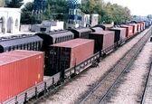 قطار به صادرات میوه وارد میشود