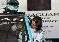 رانندگی اولین زن عربستانی در مسابقات اتومبیلرانی+عکس