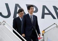 نخست وزیر ژاپن وارد فرودگاه مهرآباد تهران شد