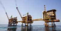 مهمترین عامل تعیین کننده قیمت نفت/ روند نزولی ادامه دارد