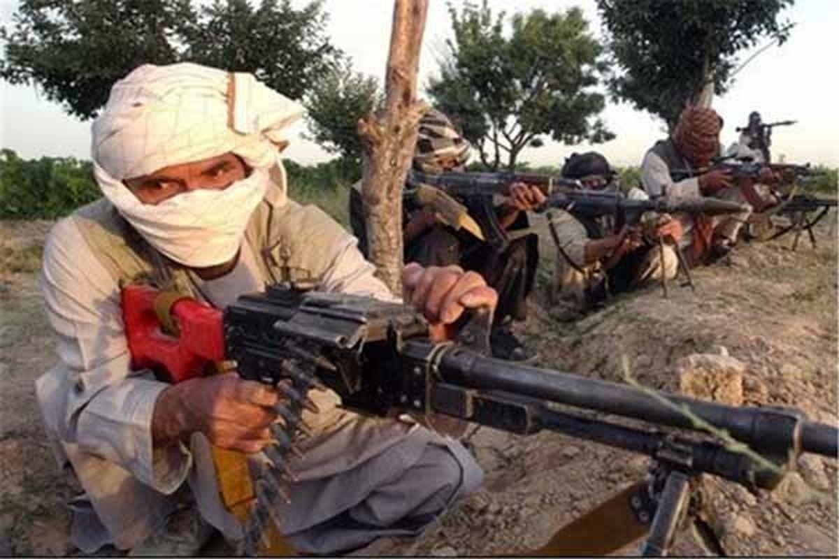 هجوم شهروندان کابل برای خارج کردن پول های خود از بانک ها