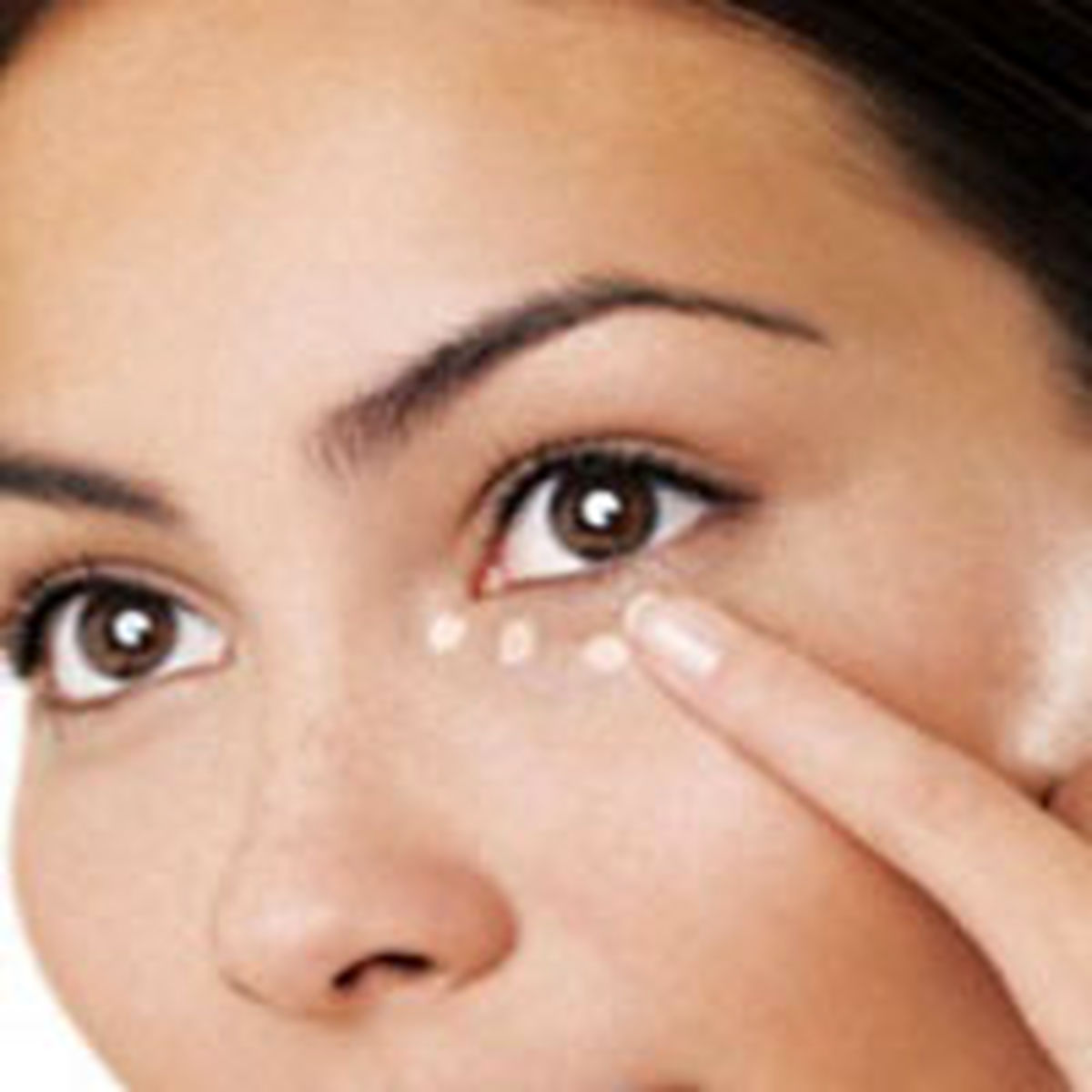 چطور میتوان سیاهی دور چشم را از بین برد؟