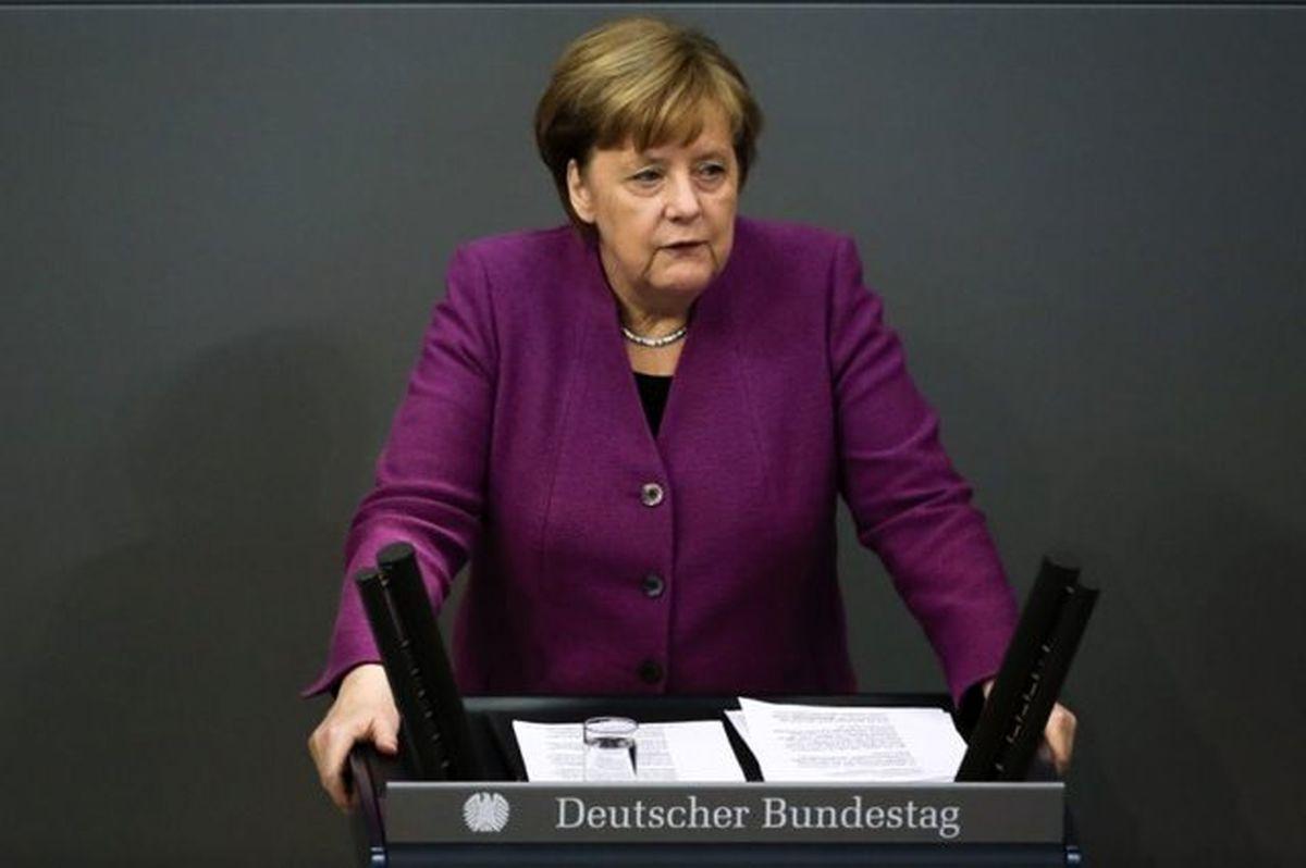 مرکل بر توقف صادرات سلاح از آلمان به عربستان تاکید کرد