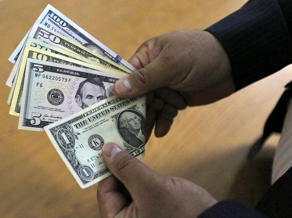 نوسان ٥٠درصدى نرخ ارز در سال٩٨/ ایجاد فرصت طلایى براى رانتخواران با چندنرخى بودن ارز