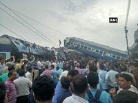 دهها کشته و زخمی بر اثر خروج قطار از ریل در هند