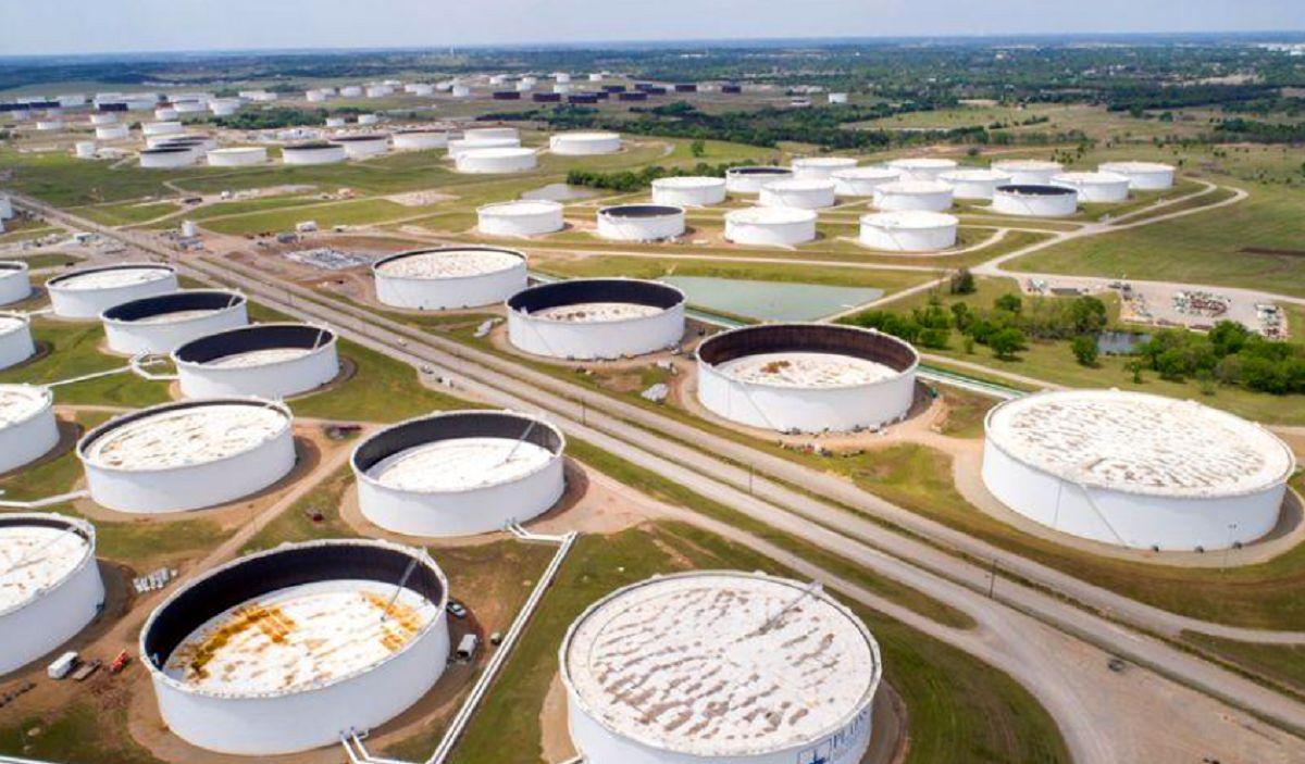 افزایش قیمت نفت به دنبال تعهد تولیدکنندگان/ طلای سیاه در سال آتی چند معامله میشود؟