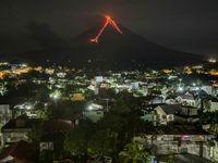 فرار مردم از آتشفشان فیلیپین +تصاویر