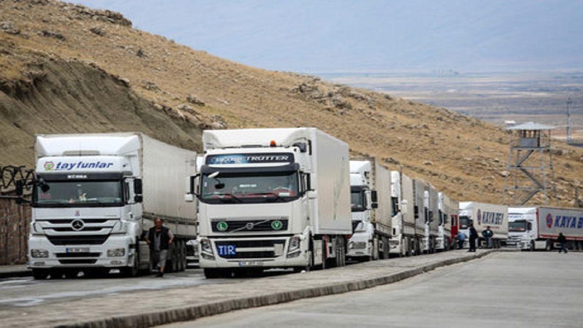 ترخیص کامیون های دپو شده در گمرک آغاز شد