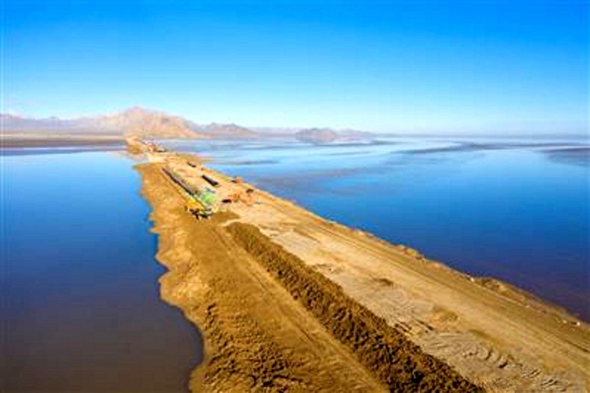 عملیات اجرایی انتقال آب از خلیج فارس به استان اصفهان این هفته آغاز میشود