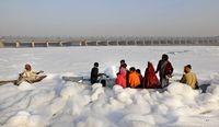 آلودگی سواحل هند با کف سفید سمی