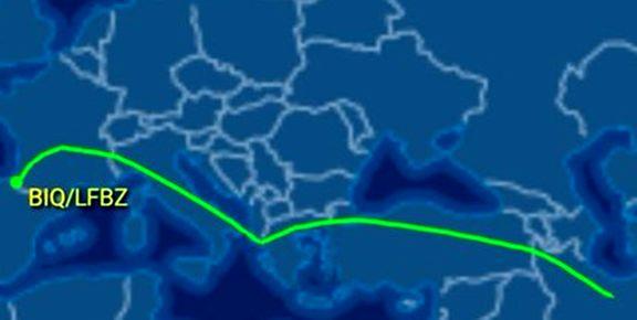 فرود یک هواپیمای ایرانی در محل برگزاری اجلاس گروه۷