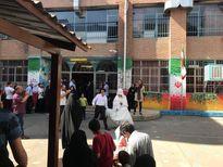عروس و داماد در شعبه اخذ رای +عکس