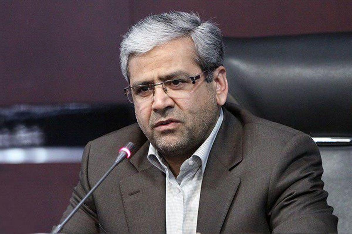 ایران باید با درآمد مالیاتی اداره شود