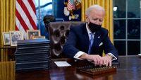 علت استفاده از خودکارهای متفاوت توسط روسای جمهور آمریکا + عکس