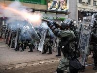 معترضان هنگ کنگ پنجرههای پاسگاه پلیس را شکستند +فیلم