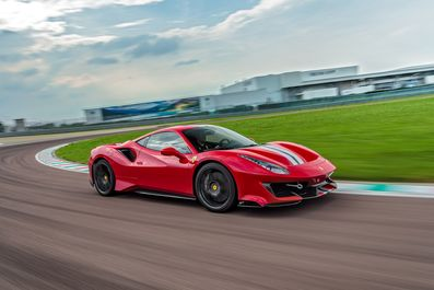 2019-Ferrari-488-Pista-39-1