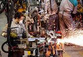 کاهش اعطای مجوز صنعتی در آخر تابستان
