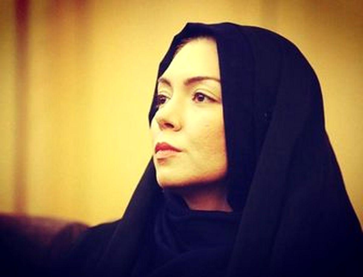 پدر آزاده نامداری بر مزار دخترش +عکس