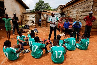 دختران فوتبالیست در کامرون