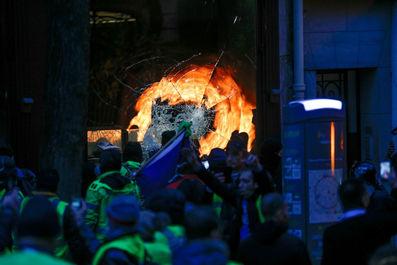تظاهرات جلیقه زردها در فرانسه