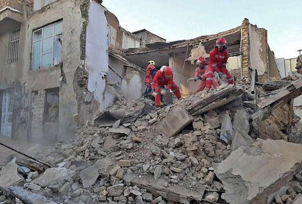 ساختمان 3طبقه در مشهد به دلایل نامعلوم ناگهان ویران شد!