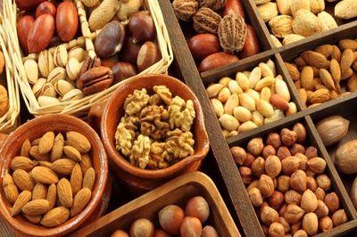 بادام زمینی را با غذا بخورید