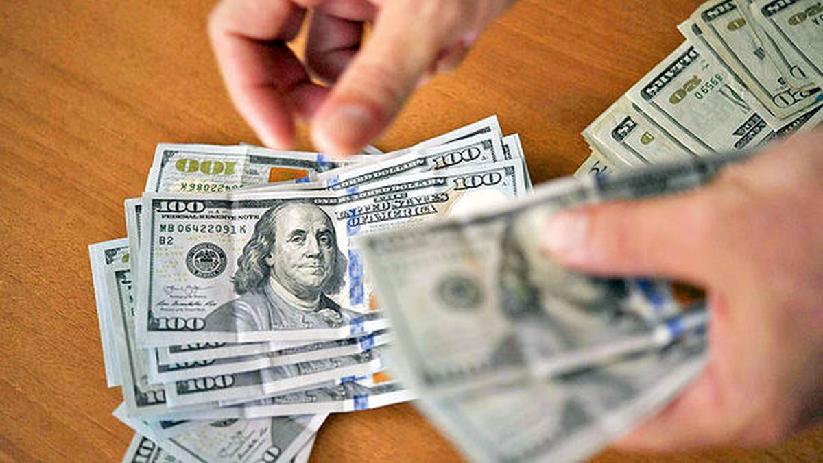ارزش دلار تقویت شد