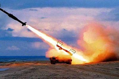 حمله موشکی یمن به پایگاه هوایی ریاض