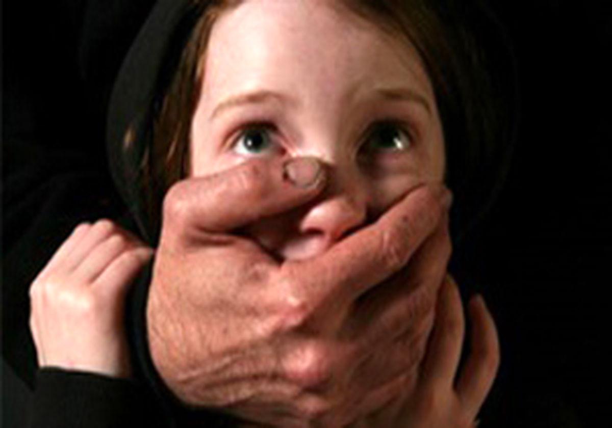 دستگیری مرد بی خانمان به جرم کودک ربایی+عکس