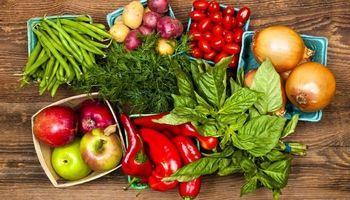 ۸ ماده غذایی که باید به شکل خام مصرف شوند