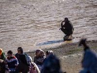 ازدحام گردشگران روی پل خواجو علیرغم هشدارها! +عکس