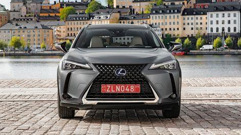 2019-Lexus-UX-250h-Mercury-Grey-F-Sport-6