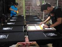 تولید تیشرت با تصاویر سردار سلیمانی در اندونزی +عکس