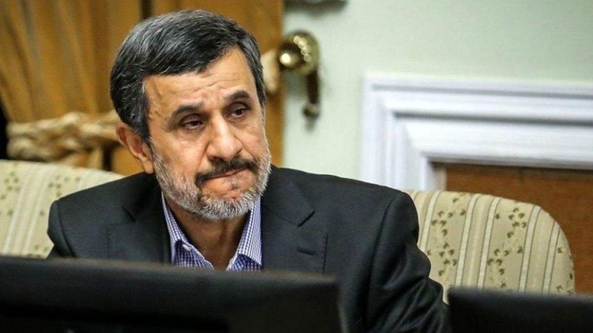 احمدی نژاد صدرنشین تلگرام و توئیتر شد