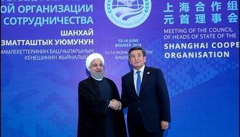 رئیس جمهور قرقیزستان از روحانی استقبال کرد +عکس