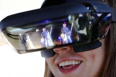 کنگره جهانی موبایل، Lenovo augmented reality glasses