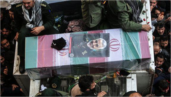 پیکر مطهر شهید سردار سلیمانی وارد میدان آزادی شد