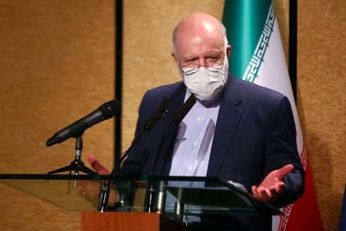 گلایه زنگنه از  فحاشی علیه وزارت نفت